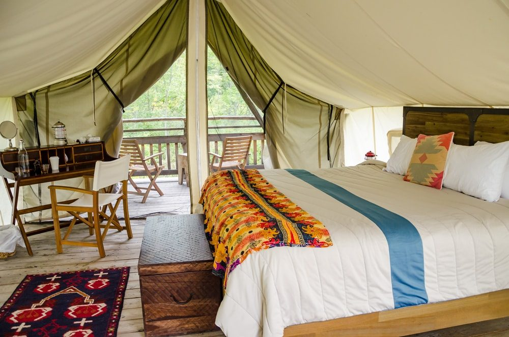 hens-party-glamping-8325692